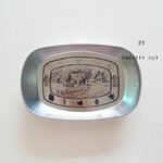 Retro Iron Plate จานสังกะสีปั๊มลายสไตล์เรทโทร (ลาย Countryside)