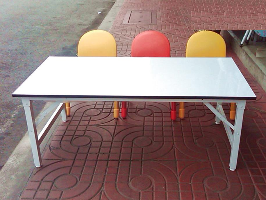 โต๊ะกิจกรรมเด็ก-พับเก็บได้ เฉพาะโต๊ะไม่รวมเก้าอี้