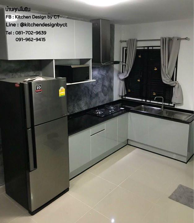 Glossy Light Grey Modern Kitchen (ครัวบิ้วอินหน้าบานสีเทาอ่อนเงาสไตล์โมเดิร์น)