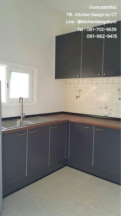 Classic Grey with Wooden Top (ชุดครัวบิ้วอินหน้าบานสีเทาท๊อปลายไม้)