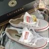 รองเท้าผ้าใบคอนเวิร์ส ทรงยอดฮิตตลอดกาล (สีขาว )