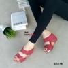 รองเท้าส้นเตารีด เปิดส้น สายคาดสองตอน หนังด้าน (สีแดง )