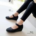 รองเท้าคัทชูส้นเตารีด ลานลูกไม้ สไตล์เนปาล สวยหวาน (สีดำ )