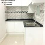 Glossy White Modern Kitchen (ครัวบิวท์อินสีขาวเงาสไตล์โมเดิร์น)