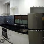 Black & White Kitchen (ครัวบิ้วอินสีขาวสไตล์โมเดิร์น)