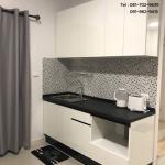 Modern White & Black Kitchen (ชุดครัวบิ้วอินสีขาวสไตล์โมเดิร์น)