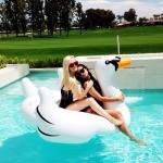 ห่วงยางเล่นน้ำหงส์ขาว บิ๊กไซส์ Gian Swan Inflatable