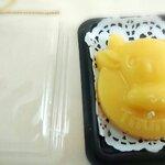เทียนหอมราศีพฤษก หรือ Taurus (วัว) ในกล่องใสฐานน้ำตาล ขนาด 7.5x9.5x3 cm.
