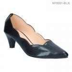 รองเท้าคัทชู ส้นเตี้ย ตัดขอบ หัวแหลม (สีดำ )