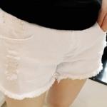 กางเกงยีนส์ขาสั้นสำหรับคนท้อง มีผ้าพยุงครรภ์+สายปรับระดับ สีขาว มีไซส์ L , XL