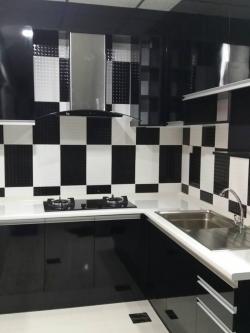 Black Modern Kitchen (ครัวบิ้วอินสีดำสไตล์โมเดิร์น)