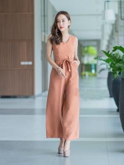 JS0039 เสื้อผ้าแฟชั่น เสื้อผ้าเกาหลี ชุดจั๊มสูท จั๊มสูทขายาว จั๊มสูทกางเกง ชุดออกงาน ชุดทำงาน จั๊มสูทแขนกุด (สีส้มอิฐ)