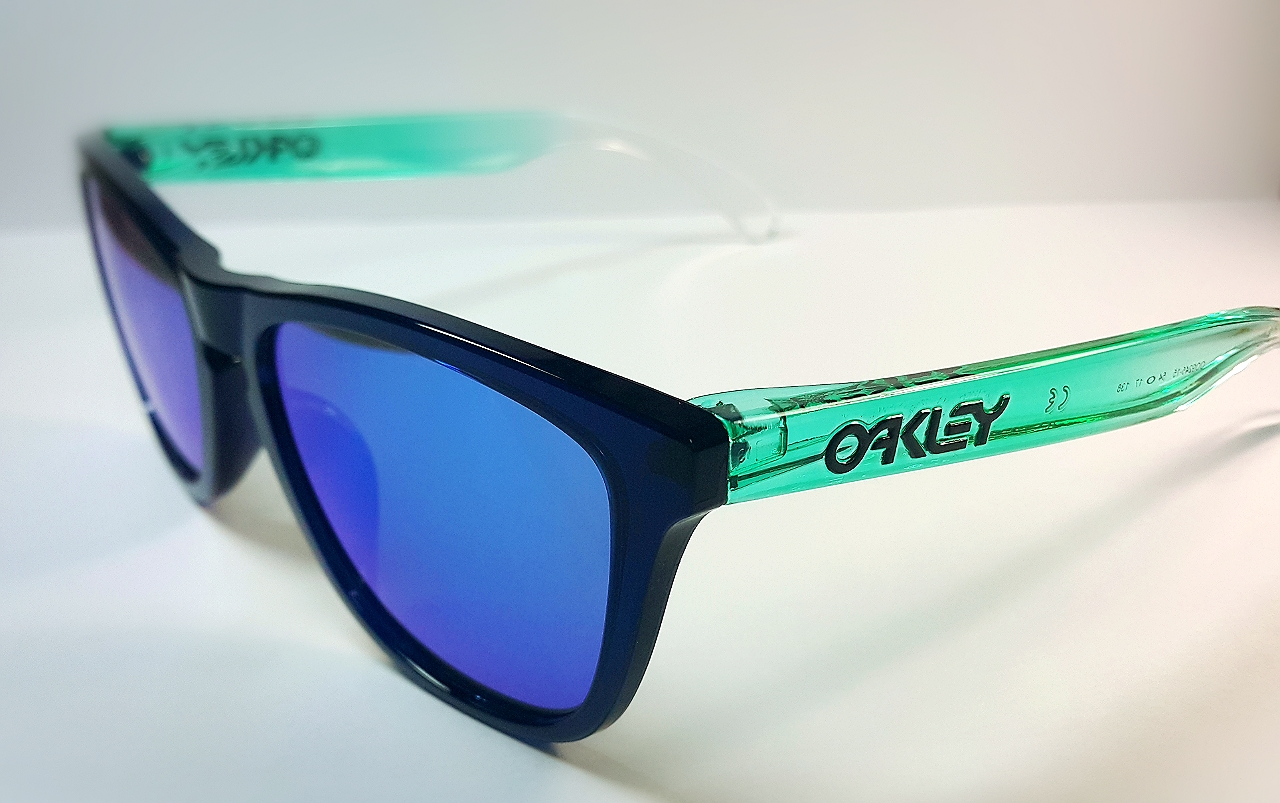 oakley frogskins surf collection