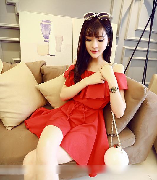 ชุดเดรสแฟชั่นเกาหลีเปิดไหล่สีแดง