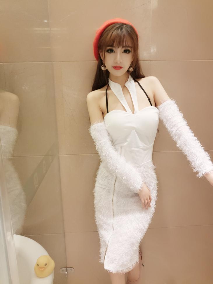 ชุดเดรสแฟชั่นเกาหลีสีขาวเข้ารูปแขนยาว