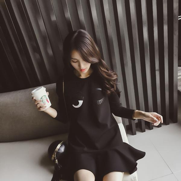 ชุดเดรสแฟชั่นเกาหลีแขนยาวลายรูปลูกตาน่ารักๆ