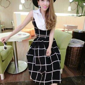 ชุดเซ็ตแฟชั่นเกาหลี เสื้อ+กระโปรง ผ้าซีฟอง ลายตารางดำ