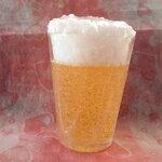เทียนเบียร์หอมพร้อมฟองในแก้วกลาง ขนาดประมาณ 6x6x8.5 cm.