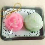 เทียนหอมดอกกุหลาบเล็กแพ็คคู่ในกล่องใส ฐานน้ำตาล ขนาด 7.5x9.5x3 cm./set